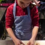 112 Kinder wissen nun wie es geht: Rote Bete Knödel selber machen